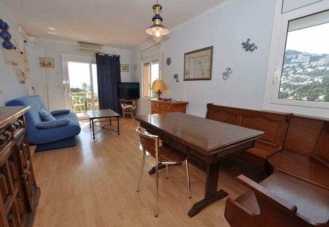 Apartment in Rosas / Roses - 1017