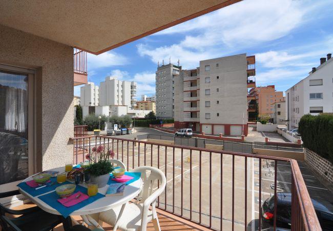 Apartment in Rosas / Roses - PLATJA SANTA MAR- REF: 57128