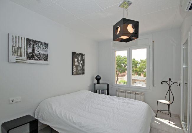 Villa in Empuriabrava - LV09 MEDES