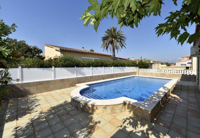 Villa in Empuriabrava - LV06 mas nou