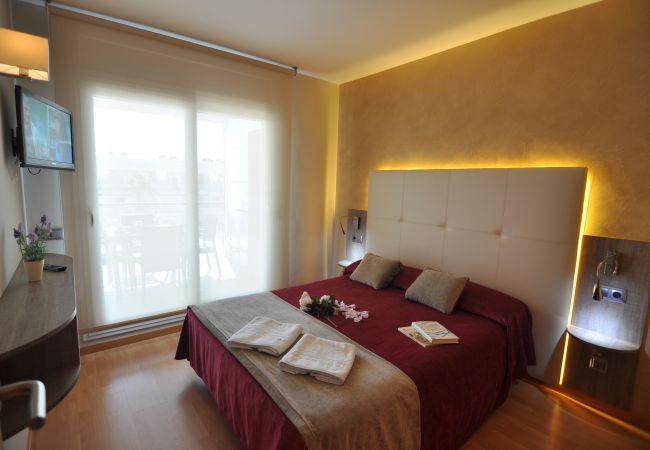 Apartment in Rosas / Roses - 1H - PRI - TIPOA - 423 PORTOMAR PLUS - REF: 101256