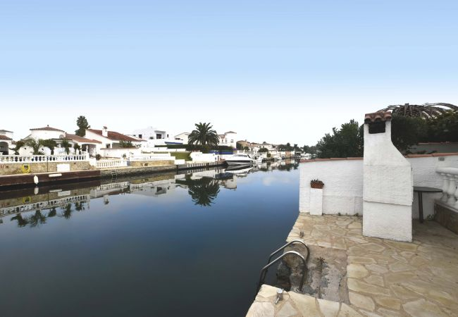 House in Empuriabrava - LV01 ebre