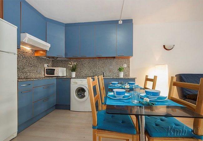 Apartment in Rosas / Roses - ISAR11-APARTAMENTO 4 PAX CON PISCINA
