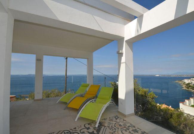 Villa in Rosas / Roses - IRVR07- Villa moderna 8 pax con piscina
